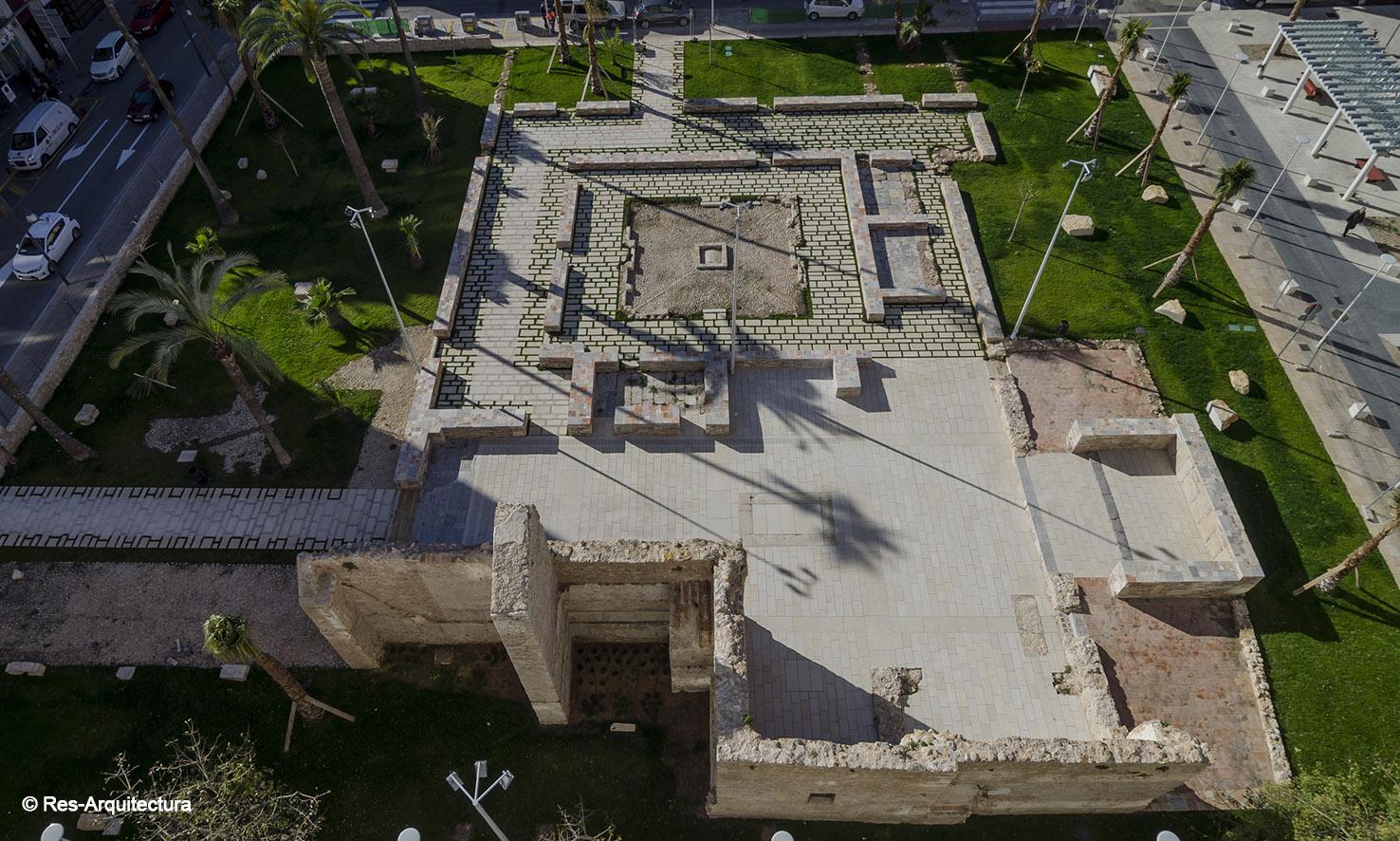 Vista general desde el norte. Plaza-jardín en Vinaròs