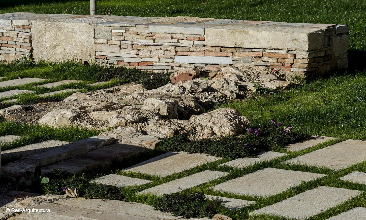 Plaza-jardín en Vinaròs. Detalle