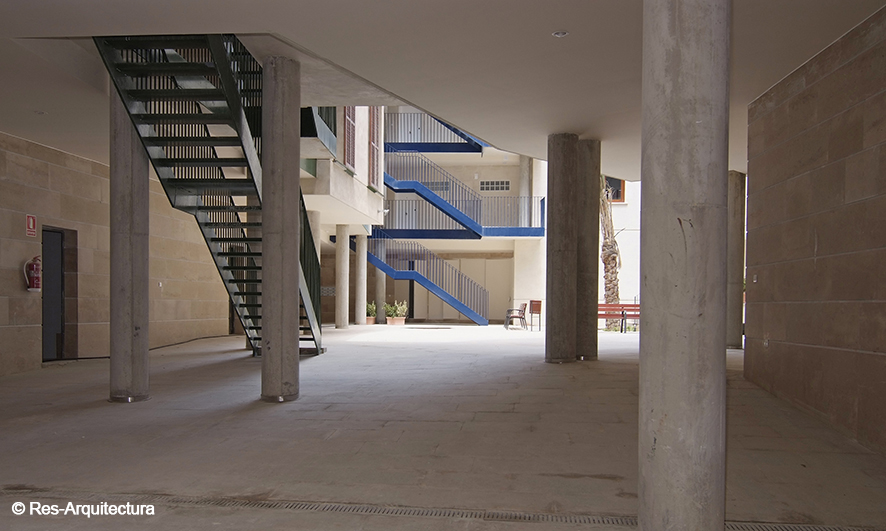 Edificio en Maldonado 16. Acceso