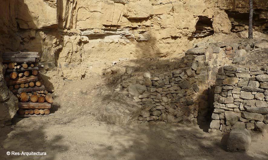 Hornos de yeso en piedra en seco en los aljézares