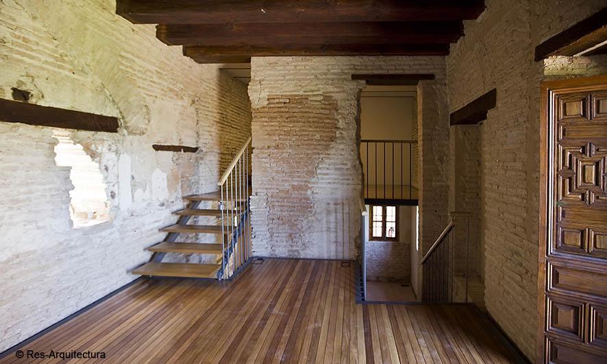 Sala lateral de entrada del Mexuar en la Alhambra